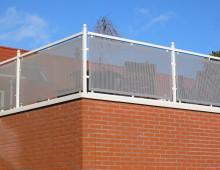 balkonhekwerk met perfopanelen