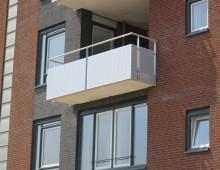balkonhekwerk met plaatpanelen