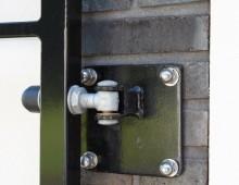 Detail scharnier poort